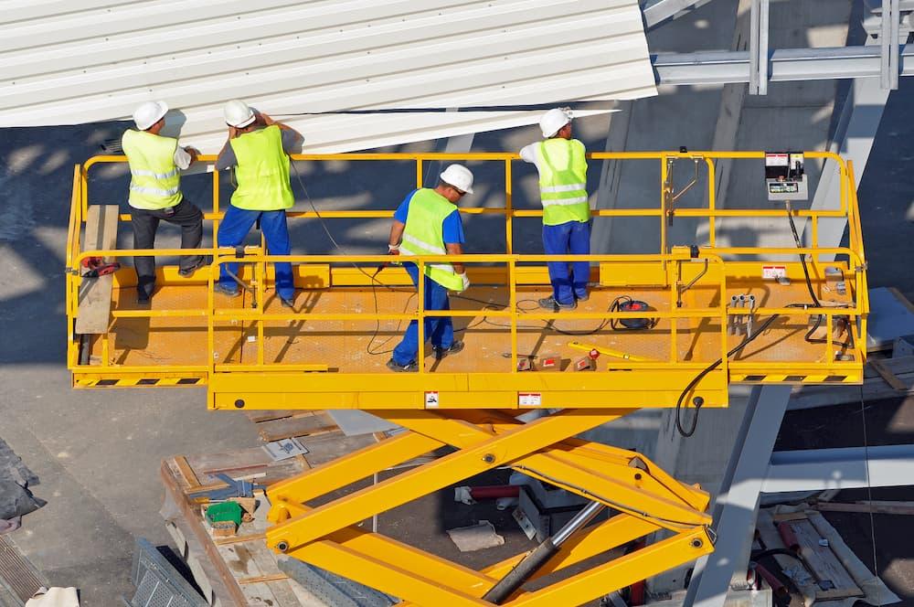 Arbeitsbuehne mit großer Büehnenfläche Arbeitsbühnen © Photo 5000, stock.adobe.com