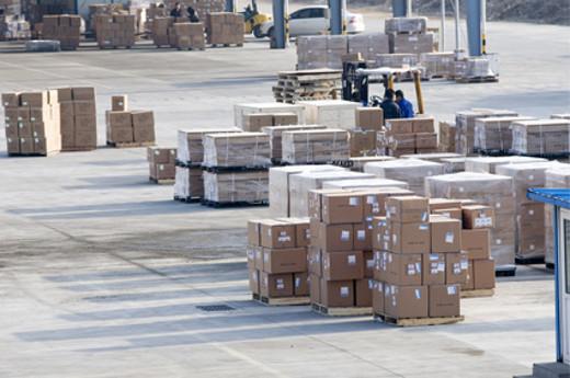 Cargo Bereich am Flughafen © Santorini, fotolia.com