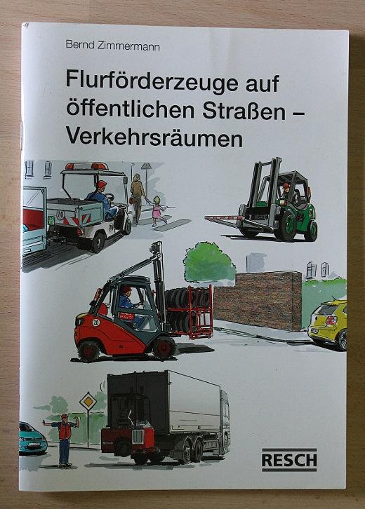 Flurfoerderzeuge auf der Straße Fachbuch