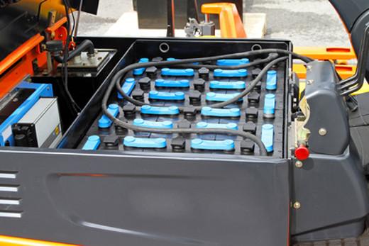 Gabelstapler Batterie © Markobe, fotolia.com