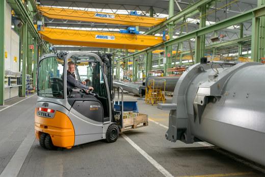Gabelstapler im Einsatz im Anlagenbau © STILL