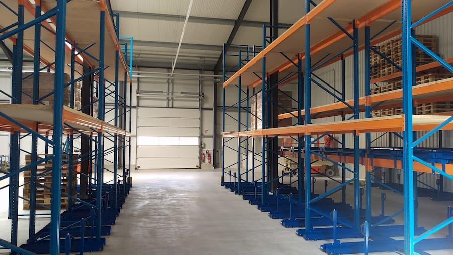Palettenregal mit Palettenauszügen ©  LBL GmbH