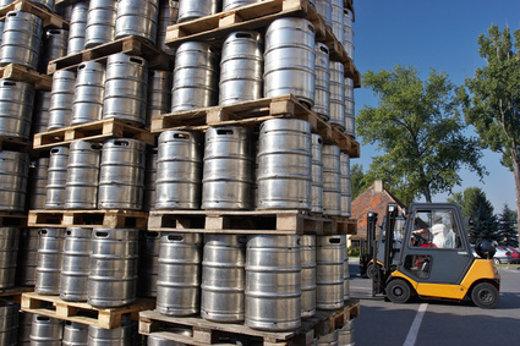 Stapler in der Getränkeindustrie  © alessia, fotolia.com