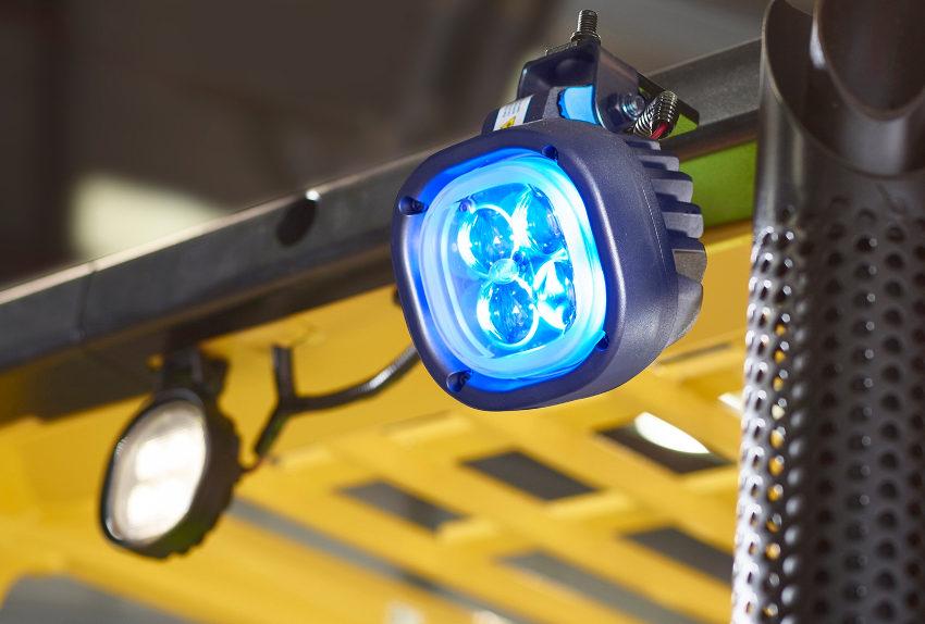 LEDs warnen Fußgänger vor sich nähernden Staplern © Hyster