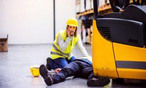 Staplerunfall: Richtiges Verhalten im Notfall