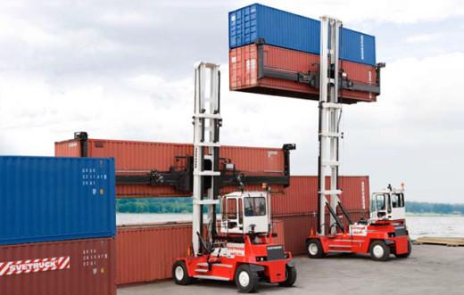 Containerstapler © SVETRUCK Deutschland GmbH